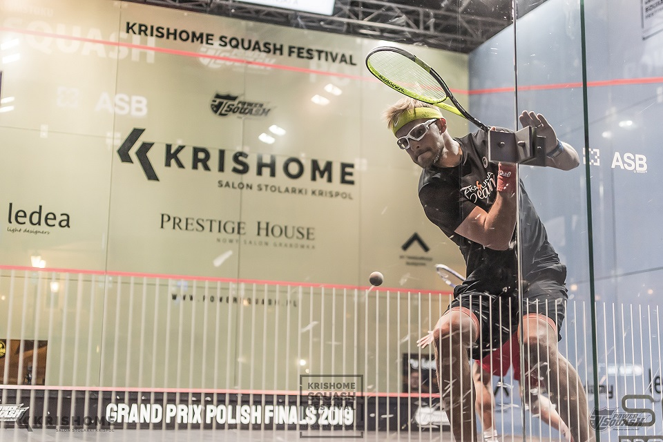 Zawodnik pierwszego turnieju squasha, organizowanego przez firmę Krishome