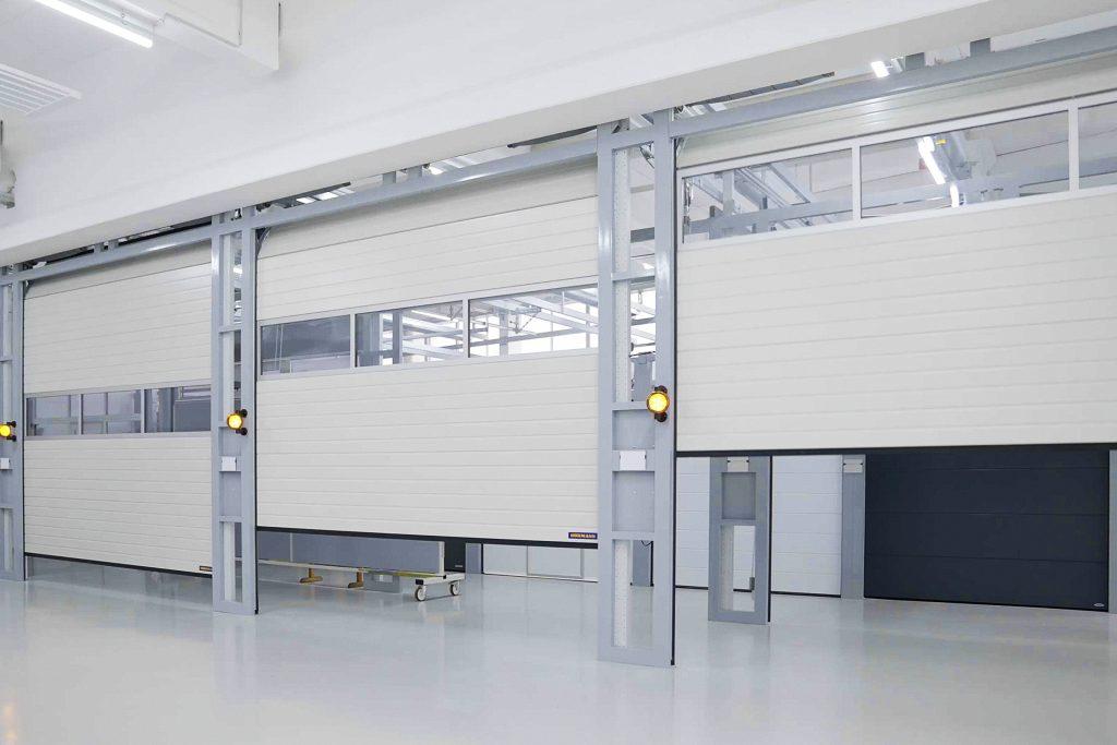 Fot. 1 Przemysłowe bramy segmentowe nowej serii 60 są znacznie szybsze od ich poprzednich wersji.